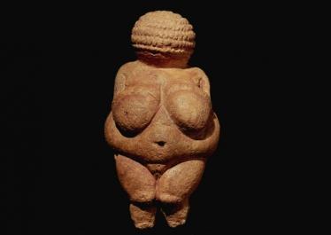 « Que savons-nous des femmes dans les différents contextes de la préhistoire occidentale ? », entretien avec Claudine Cohen
